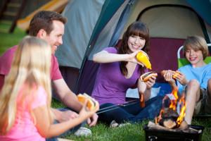 family-camping-in-backyard