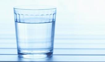 87734498_drinking_water_w